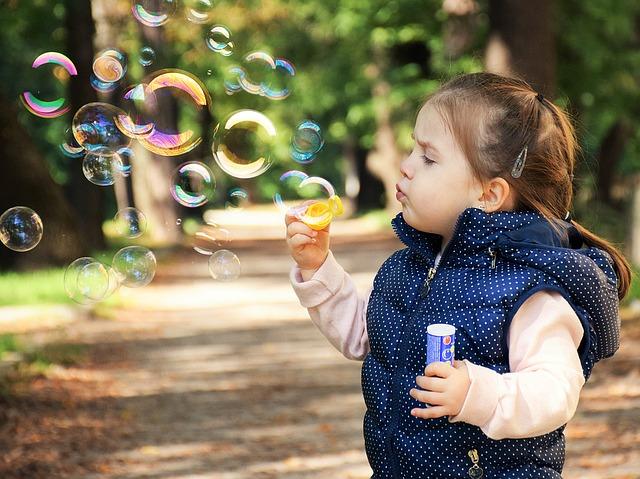Минздрав рекомендовал запретить для детей известный антисептик