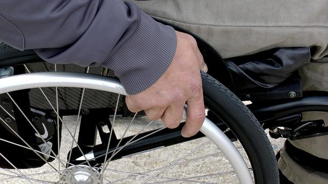 Инвалидным креслом можно будет управлять с помощью мимики