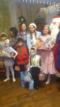 Воспитанники Удельнинского детского дома встретили «СоюзФарму» новогодним утренником